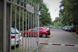 Dzika reprywatyzacja w Warszawie. Unieważniono decyzję, boisko wraca do szkoły