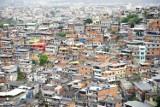 Koronawirus w Brazylii. Profilaktykę antywirusową wdrażają gangi