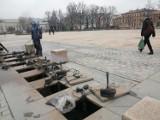 Fontanny na pl. Litewskim w Lublinie budzą się powoli po zimowej przerwie. Kiedy rozpoczną tegoroczny sezon?