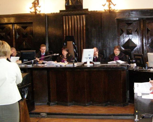 Sędziowie okręgu tarnowskiego krytykują założenia reformy i zwracają uwagę na jej skutek w postaci wzrostu wydatków