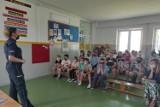 Przedwakacyjne spotkanie z policjantką w Szkole Podstawowej w Czernikowie