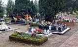 W listopadzie szczególnie myśleliśmy o zmarłych. Prezentujemy zdjęcia niewielkiego cmentarza w Dobrzycy