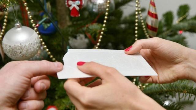 Potrzebni wolontariusze do pakowania paczek świątecznych oraz przygotowania kolacji wigilijnej dla potrzebujących pomocy!