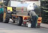 Bakterie coli w wodociągu w Brzeźnicy. Beczkowozy z wodą pitną przyjadą do sześciu wsi w gminie Dąbie. Kiedy uda się zażegnać problem?