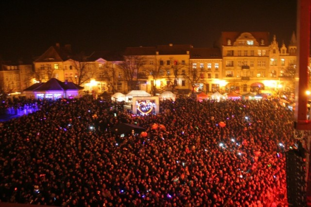 Czy na rynku podczas tegorocznych Chełmińskich Walentynek też zobaczymy tyle osób? Zapraszamy do Miasta Zakochanych