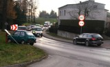 Wypadek drogowy w Jawiszowicach. Matka dwójki dzieci trafiła do szpitala. Przyczyną niezachowanie bezpiecznej odległości [ZDJĘCIA]