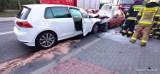 Czołowe zderzenie na drodze krajowej 25 w Gwieździnie. Jedna osoba zabrana przez śmigłowiec