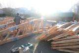 To już ostatni etap remontu mostku nad oleśnickimi stawami