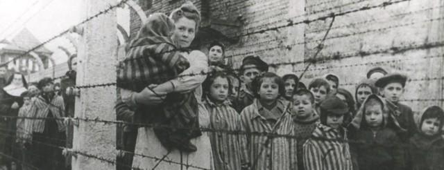 27 stycznia 1945 r. na terenie Auschwitz oswobodzono nieco ponad 700 dzieci