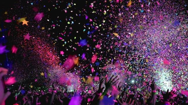 """Twenty Øne Piløts wracają do Polski. Po wyprzedanym w ekspresowym tempie koncercie na Torwarze w 2016 roku muzycy wracają, by zagrać 15 lutego w łódzkiej Atlas Arenie.   Twenty Øne Piløtsto amerykański zespół, wykonujący muzykę z pogranicza elektroniki, popu, hip-hopu i rocka. Obecnie w jego skład wchodzą Tyler Joseph oraz Josh Dun. 5 października ukazała się ich najnowsza płyta, zatytułowana """"Trench"""". Jeśli ktoś jeszcze nie był na ich koncercie, to warto zaznaczyć, że ten doskonały duet znany jest z niesamowicie energetycznych występów.   Gdzie: Atlas Arena - Łódź Kiedy: 15 lutego Bilety: bilety zostały wyprzedany, ale można je odkupić od osób, które z przyczyn losowych nie mogą się wybrać"""
