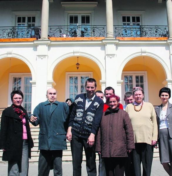 50 tys. zł na renowację bocznych elewacji dostał DPS w Płazie. Podopieczni są zadowoleni