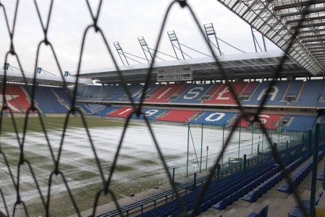 Miasto zapłaci za ochronę stadionu Wisły i wymianę urządzeń do sprawdzania biletów.