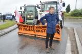 Protest rolników pod Piotrkowem 5.08. 2021. Zablokowali traktorami rondo u zbiegu dróg S8 i DK12 i zapowiadają blokady w całym kraju ZDJĘCIA