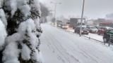 Uwaga. Ostry atak zimy we Wrocławiu. Śliskie drogi i chodniki