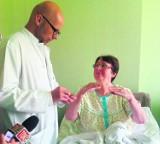 W Katowicach załatali serce. Pacjentka sama obserwowała jak przebiega zabieg