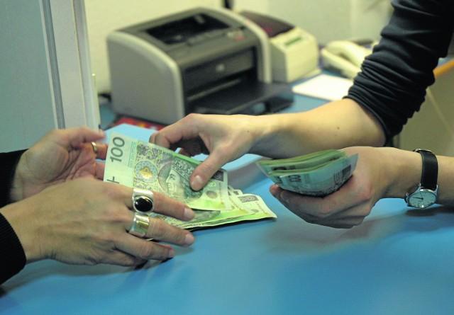 Tylko w Urzędzie Miejskim w Kaliszu na wypłatę trzynastek trzeba wydać ponad milion złotych
