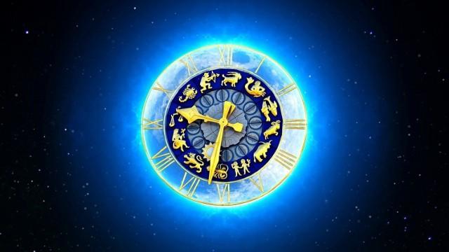 Lipiec to zwykle jeden z najgorętszych miesięcy i nie chodzi tu tylko o temperaturę! Co nas czeka w tym wakacyjnym miesiącu? Czego się powinniśmy spodziewać, a na co szczególnie uważać? MY już wiemy! Sprawdźcie, co mówią gwiazdy. W naszym artykule znajdziecie horoskop dla wszystkich znaków zodiaku na lipiec 2021 rok. Co nas czeka w miłości, pracy, czy zdrowiu?   Szczegóły na kolejnych zdjęciach >>>