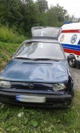 Kolejny wypadek na DK 75. Skoda rozbiła się na Juście