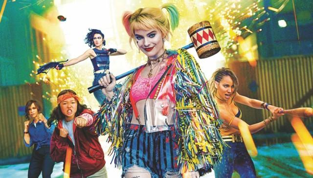"""W najbliższych dniach warto wybrać się do któregoś z poznańskich kin, by zobaczyć choćby polski dramat erotyczny """"365 dni"""" czy długo wyczekiwane """"Ptaki Nocy (i fantastyczna emancypacja pewnej Harley Quinn)"""" z Margot Robbie.  Przejdź do galerii i sprawdź --->"""