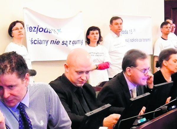 Mieszkańcy przyszli na sesję Rady Miasta Poznania, żeby przekonać radnych