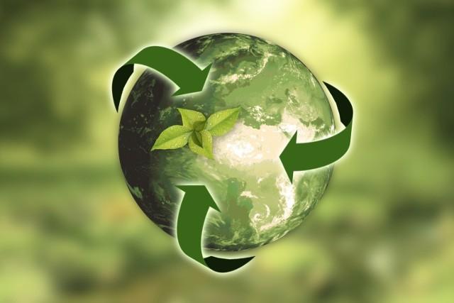Jak wynika z wyliczeń Global Footprint Network, 7,8 miliarda ludzi zużywa znacznie więcej zasobów, niż Ziemia jest w stanie w naturalny sposób odnowić i emituje znacznie więcej odpadów, niż może wchłonąć.