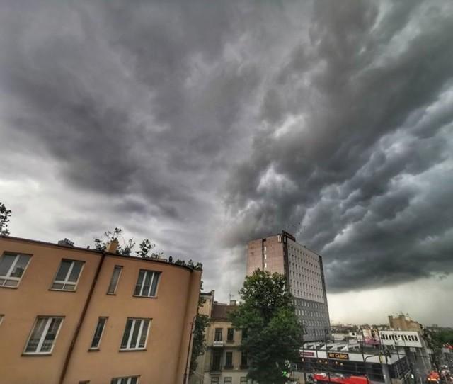 IMGW wydało ostrzeżenie dla woj. lubelskiego przed gwałtownymi burzami