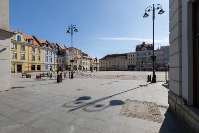 Na środowej (17. marca 2021) konferencji prasowej minister zdrowia, Adam Niedzielski zapowiedział lockdown w Polsce od 20. marca.   Czy przed świętami wielkanocnymi są możliwe dalsze kroki i obostrzenia? Pojawiła się odpowiedź na to pytanie.   Czytaj więcej informacji na kolejnych stronach ---->