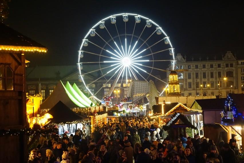 Jarmark na placu Wolności można odwiedzać do 21 grudnia w...