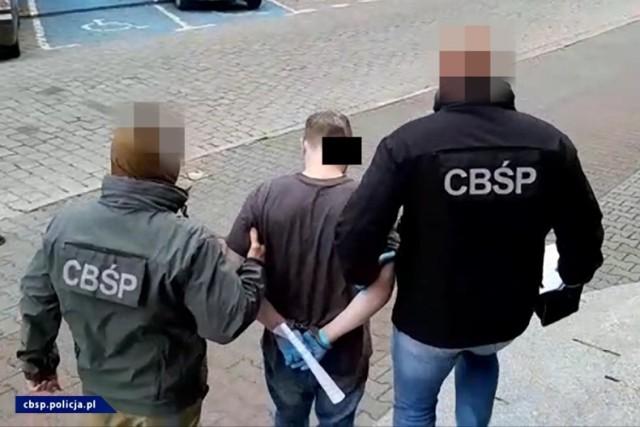 Gniezno: CBŚ zlikwidowało rodzinny seksbiznes