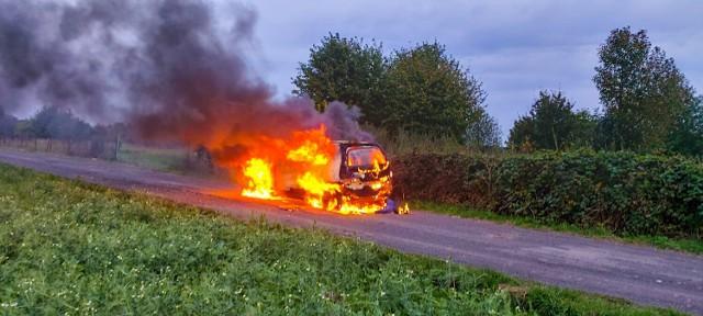 Pożar samochodu - 23.09.2021r.