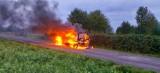 Pożar samochodu w miejscowości Raski. Pojazd doszczętnie spłonął