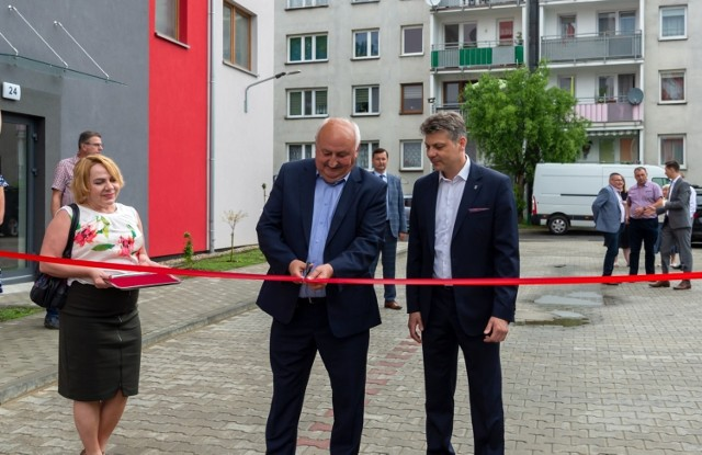 W Bytomiu-Miechowicach oddano do użytku nowe mieszkania. Zobacz zdjęcia >>>