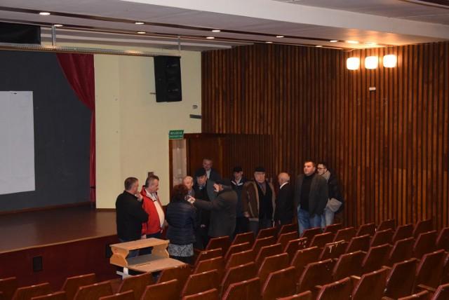 Radni zastanawiali się, czy kino Świt można przekształcić na Klub Seniora