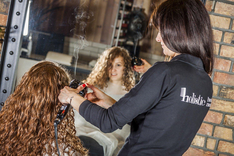 Bądź Wyjątkowo Piękna Holistic Hairnails Fryzjer Salon Urody