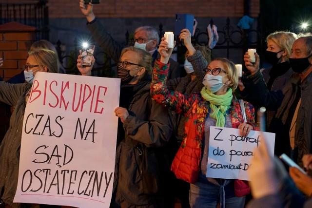 Protest przed Kurią Diecezjalną w Kaliszu