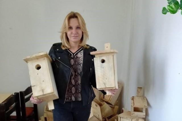 To budki lęgowe dla ptaków (sikory, kowaliki, szpaki, dudki, pliszki itp.) i nietoperzy.