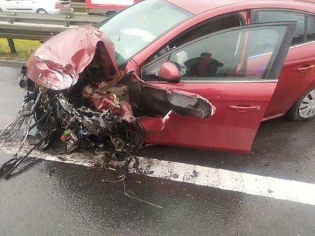 Wypadek na S1 w Nowej Wsi. Są poszkodowani  Zobacz kolejne zdjęcia. Przesuń zdjęcia w prawo - wciśnij strzałkę lub przycisk NASTĘPNE
