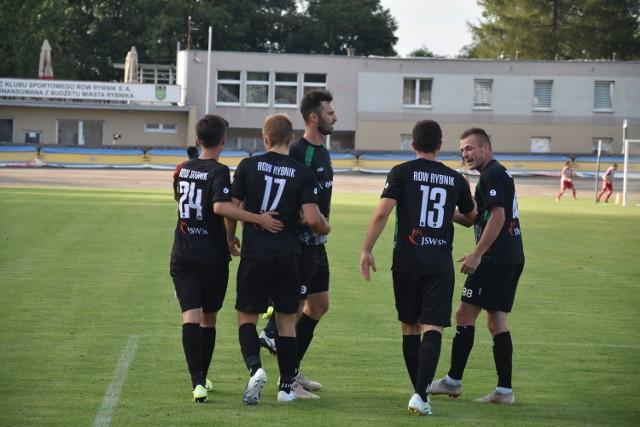 Po sobotniej porażce z Ruchem Chorzów, zarząd ROW-u Rybnik postanowił usunąć ze stanowiska pierwszego szkoleniowca trenera Michała Podolaka.