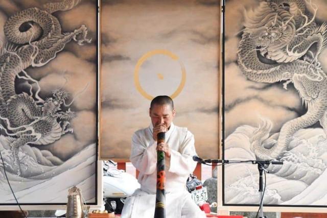 """Poznajcie Usaburo Sato, projektanta i twórcy marki Usaato, który w sobotę (8 czerwca) w ramach wydarzenia """"Japonia w zamku Książ"""" zaprezentuje swoją najnowszą kolekcję po raz pierwszy w Polsce"""