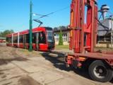 Pierwszy tramwaj 2017N dotarł z Pesy do Tramwajów Śląskich