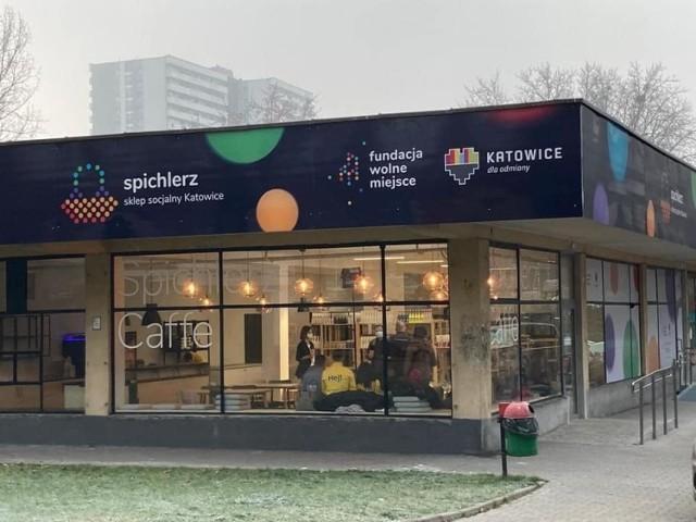 Pierwszy sklep socjalny powstał w Katowicach. Radny Bartłomiej Barczak po odwiedzinach w nim, chciałby, aby taka placówka pojawiła się w Przemyślu. Ceny są niższe od rynkowych.