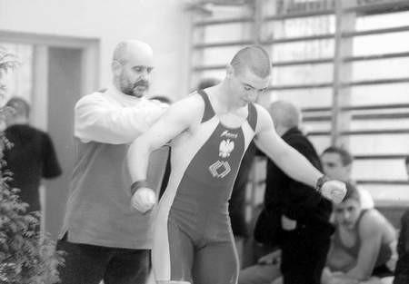 Tomasz Leks ze swoim klubowym trenerem - Dominikiem Mikołajczakiem.