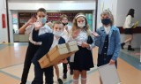Koniec roku szkolnego 2020/2021. 100 tysięcy opolskich uczniów odebrało dzisiaj świadectwa szkolne
