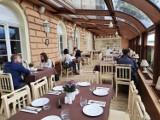 Opolskie restauracje otwarte. Od 28 maja znów można zjeść posiłek w lokalu. Na ten dzień czekali i restauratorzy, i goście.