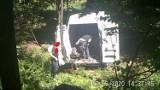 Śmieci z auta prosto do lasu! Leśnicy pokazują nagrania [ZOBACZCIE]