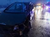 Wypadek na S1 w Wojkowicach Kościelnych. TIR czołowo zderzył się samochodem osobowym