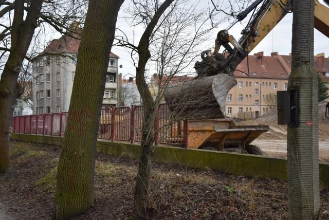 Modernizacja stadionu przy ul. Krasińskiego powinna zakończyć się do 18 marca 2022.