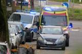 Tajemnicza śmierć w centrum Kielc. Ciało kobiety leżało przed blokiem przy ulicy Kostki [ZDJĘCIA]