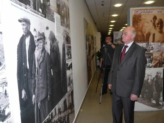 Wojciech Kierociński przypuszcza, że z chłopcem ze zdjęcia mógł po wojnie chodzić do szkoły