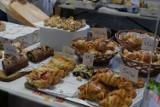 Smakołyki i rękodzieło na Targu Śniadaniowym w Żarach. Majówka i podgoda pod psem, ale przynajmniej możemy dobrze zjeść